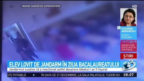 Un elev a fost luat la pumni de un jandarm, în ziua Bacalaureatului! Scenele de violență au fost surprinse de camerele de supraveghere - Video
