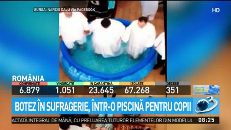 Distanțarea socială, încălcată din nou! Momentul în care mai mulţi pocăiţi s-au botezat în sufragerie, într-o piscină pentru copii