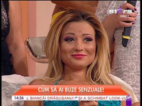 Denisa Biţă îşi injectează botox în buze, în direct!