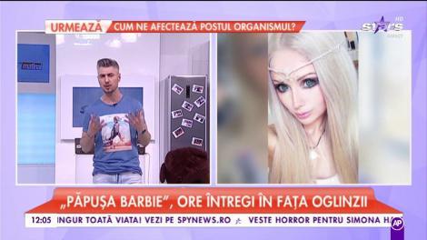 Valeria Lukyanova, cunoscută drept păpusa barbie, ore întregi în fața oglinzii