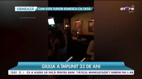 Giulia împlineşte 33 de ani! Vedeta a făcut o petrecere de zile mari