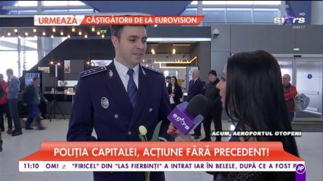 Acțiune fără precedent! Poliția Română împarte flori doamnelor în aeroport