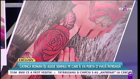 Catinca Roman își alege, în direct, tatuajul pe care îl va purta o viață întreagă