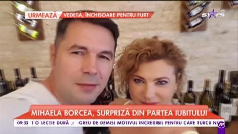 Mihaela Borcea, răsfățată cu buchete de trandafiri de către iubitul ei