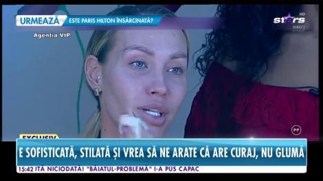 Raluca Podea, una dintre bombele sexy din showbiz, s-a demachiat, în direct