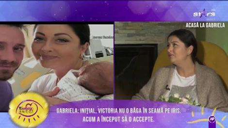 Gabriela Cristea a devenit mamă pentru a doua oară: Inițial, Victoria nu o băga în seamă pe micuța Iris. Acum a început să o accepte