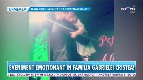 Eveniment emoționant în familia Gabrielei Cristea! Micuţa Victoria a defilat pe podium cu tăticul Tavi