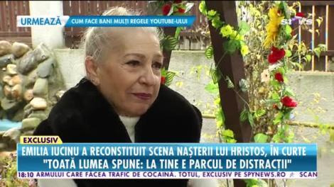 Emilia Iucinu a reconstituit scena nașterii lui Hristos, în curtea casei