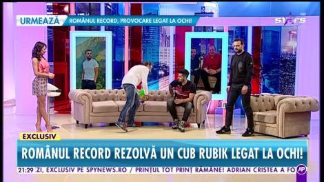 Cristian Leana, românul care rezolvă un cub rubik legat la ochi!