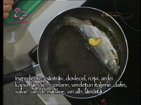 Pastrav cu legume si ierburi aromatice