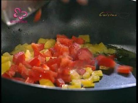 Muschi de vita cu legume si sos salsa