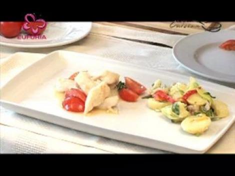 Pangasius cu parmezan si salata de cartofi