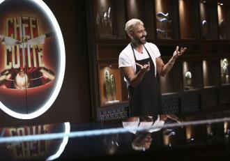 Chefi la cuțite, 2 martie 2021. Connect-R a făcut show cu rețeta de tort, dar și cu dezvăluirile sale