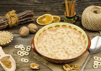 Rețeta de mucenici a lui chef Cătălin Scărlătescu. Cum poți pregăti cel mai gustos desert de 9 martie